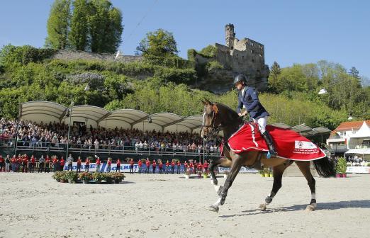 Foto: Sieger im Großen Preis Denis Lynch - Fotograf: sportfotos-lafrentz.de