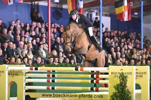 Foto: Lord Pezi Junior war eines der Highlights bei der Hengstschau der Böckmann Pferde GmbH und des Gestüts Birkhof - Fotograf: Kiki Beelitz