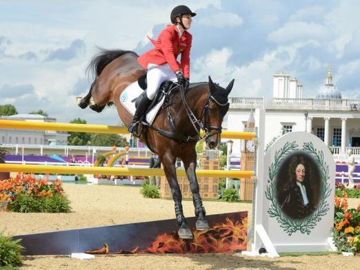 Foto: Janne-Friederike Meyer hatte mit ihrem Pferd Lambrasco 17 Strafpunkte gesammelt. - Fotograf: Jochen Lübke - dpa