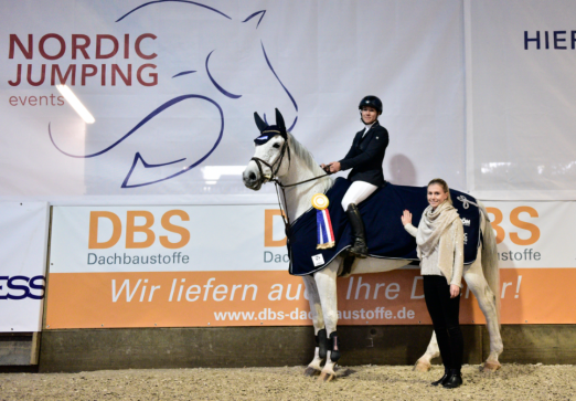 Foto: Gewann das S1*-Springen, Julie Mynou Diederichsmeier - Fotograf: Ute Goedecke