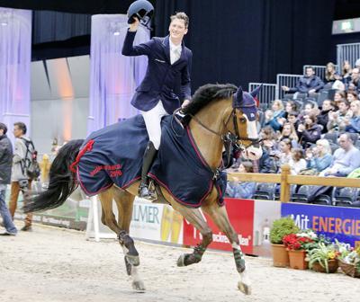 Foto: Daniel Deusser siegte mit Toulago im Großen Preis CSI3* von Offenburg