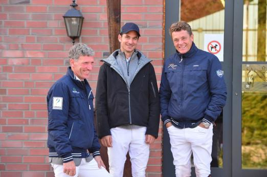 Foto: Die drei Einzel-Olympiasieger Jeroen Dubbeldam, Steve Guerdat, Ludger Beerbaum v.r.) trafen sich schon 2015 in Riesenbeck - Fotograf: RI