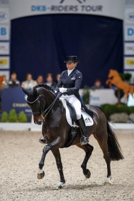 Foto: Toll in Form! Showtime und Dorothee Schneider - Fotograf: Sportfotos-Lafrentz