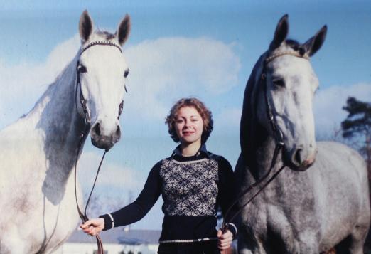 Foto: Ursula von der Leyen war zu Studienzeiten Auktionsreiterin beim Hannoveraner Verband in Verden - Fotograf: Werner Ernst