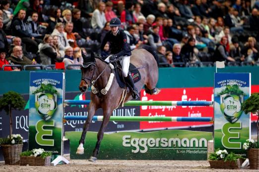 Foto: Isabelle Grandke mit Let's Fetz, Titelverteidigerin im Eggersmann Junior Cup von Leipzig - Fotograf: Sportfotos-Lafrentz